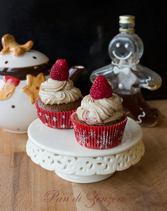 spicy cupcakes with caramel and raspberry
